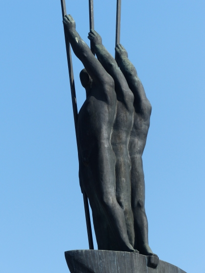 monument_bronze_statue
